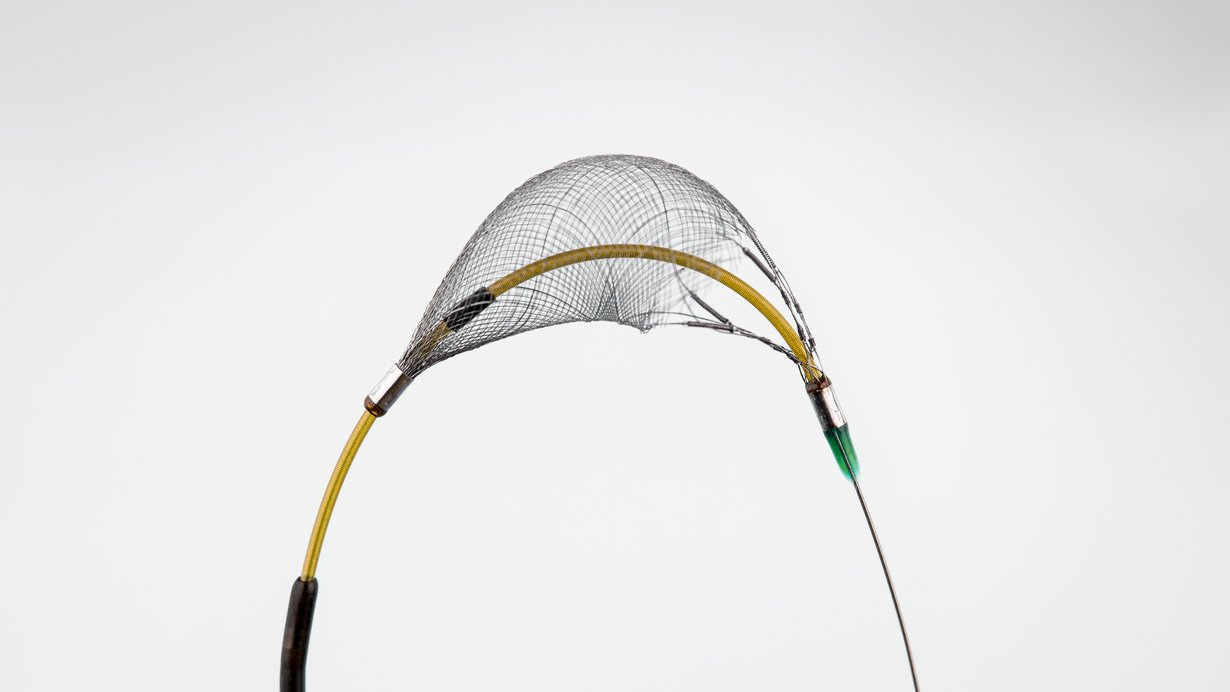 Flexible delivery catheter with soft tip design